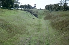 Antonine_Wall_near_Rough_Castle_Fort